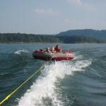 houseboat_tubing